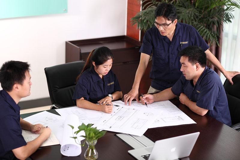 БЕСПЛАТЕН СИСТЕМ ДИЗАЈН и КВАТ Бесплатни услуги за дизајнирање и цитати се обезбедени од нашиот тим за техничка помош на GOMON. Ние секогаш сме тука да помогнеме и да нудиме совети каде што е потребно, само да ни дадете повик или е-пошта, за да можеме да започнеме. Нашите GOMON технолошки тим ќе дизајнира систем за топла вода посебно за вашиот дом. Ние сме среќни да ве посоветуваме за најдобро системско решение за да ги постигнете вашите цели, дури и ако тоа значи да препорачате алтернативни решенија за топла вода.